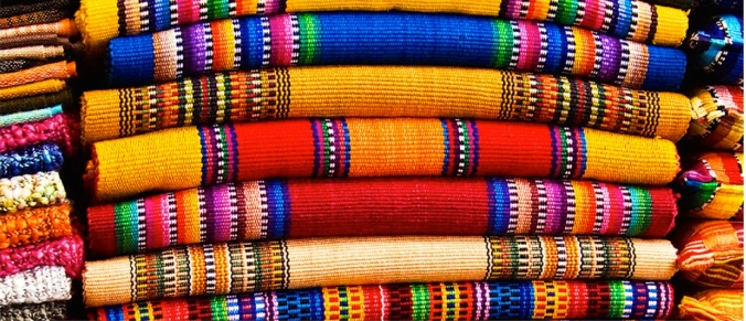 La_Antigua_Guatemala_Casa_Rosal_Mercado-de-Artesanas_ebb0c7